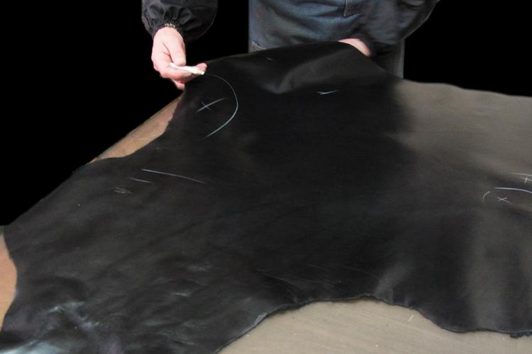 トラッドメイド裏面は上質なキップを使用
