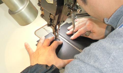縫製工程でも熟練の技が必要とされます