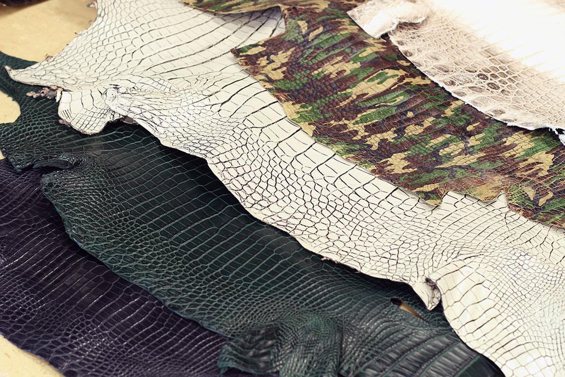 特殊加工されたクロコダイル革
