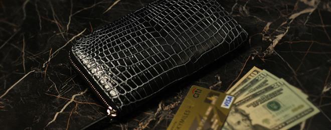 スモールクロコダイルミッドナイトブラックラウンドファスナー大容量長財布